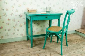 Turquoise Lilac table