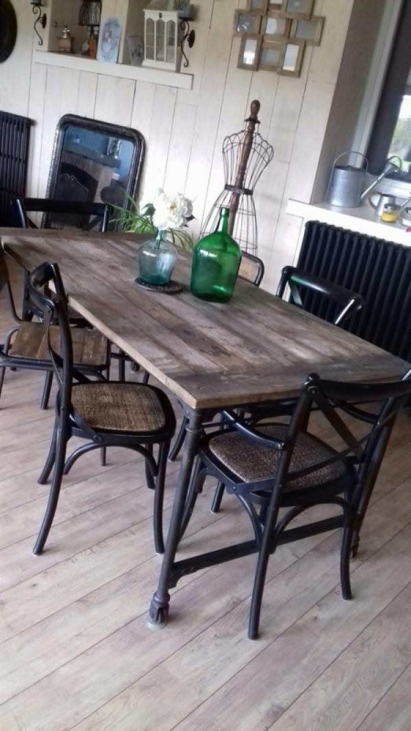 Reclaimed elm wallpapering table