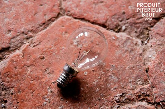 25 Watt screw bulb