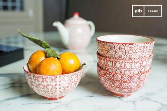 4 small  Kennedy bowls