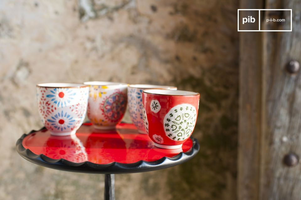 The four espresso cups Tzigane are beautiful containers to help you enjoy your coffee with your