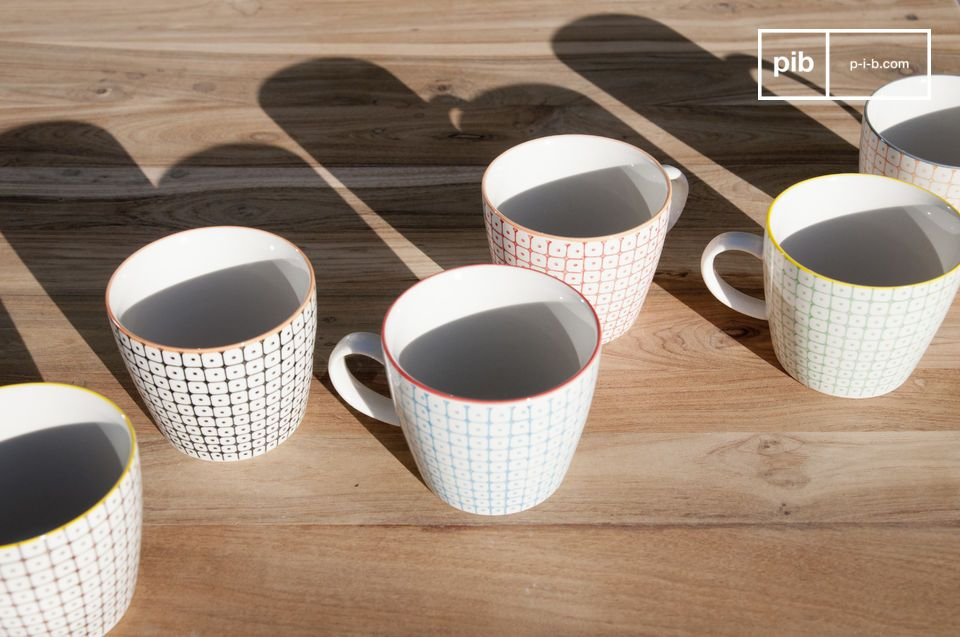 The mugs are coloured with a superb retro look.