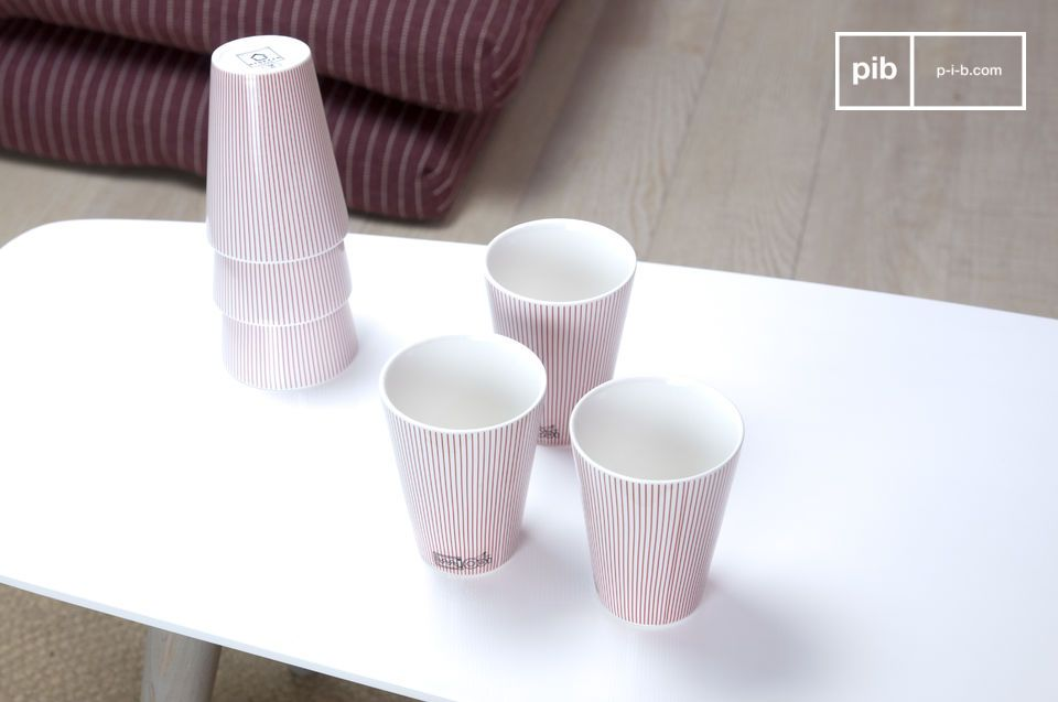 Benefit of this set of elegant and clean 6 porcelain cups to give to your table a sober and