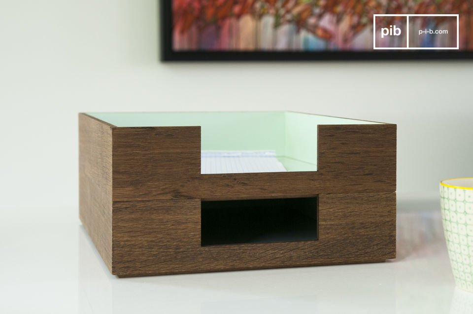 A chic and vintage storage box for your documents