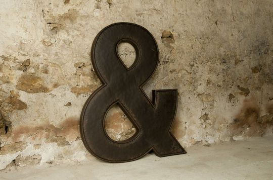 Ampersand sign letter