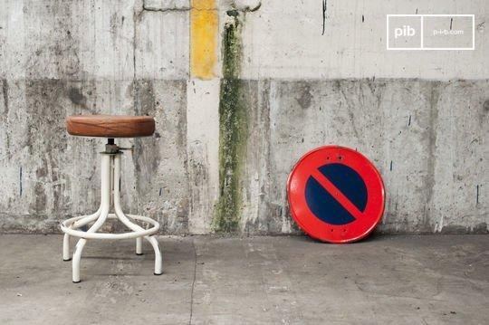 Apothecary stool