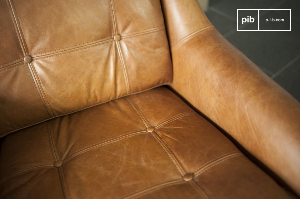 The leather is particularly qualitative; a pleasant touch and a sublime visual effect.
