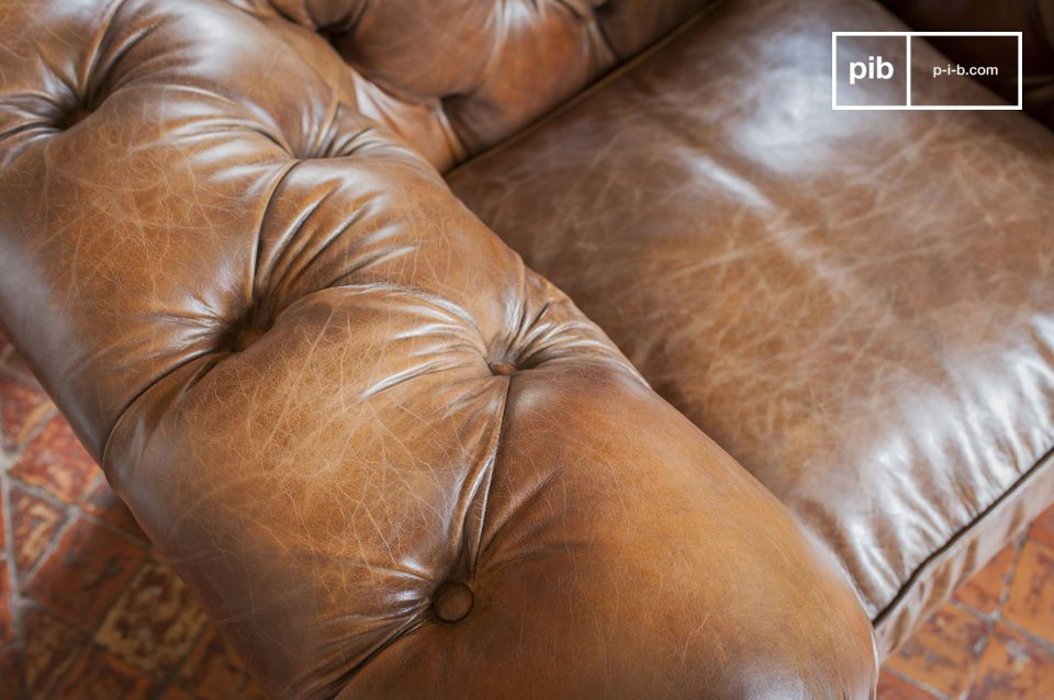 Combining an unusually detailed finish with full grain high quality leather