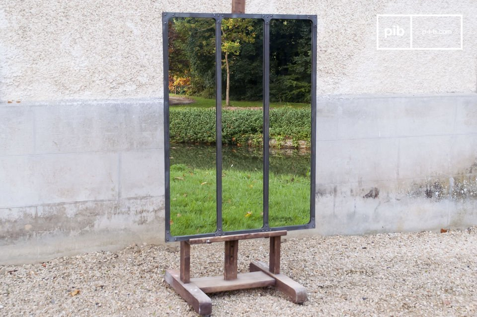 Atelier mirror with metal frame