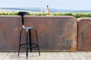 Bar chair with black rivets