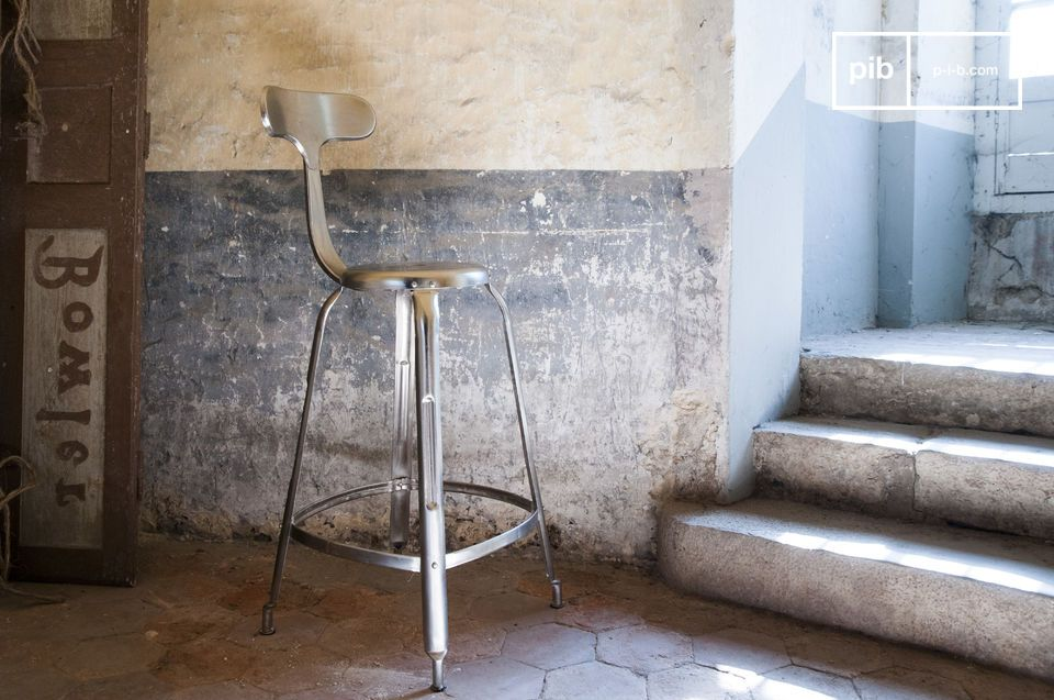 Bar stool with rivets