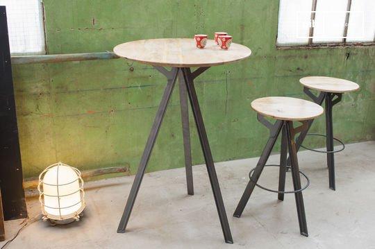 Bar table Jetson