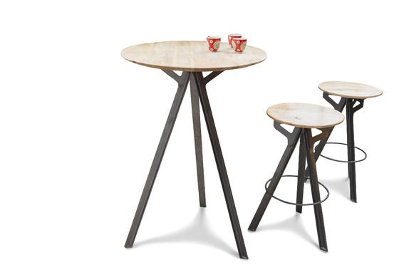 Bar table Jetson Clipped