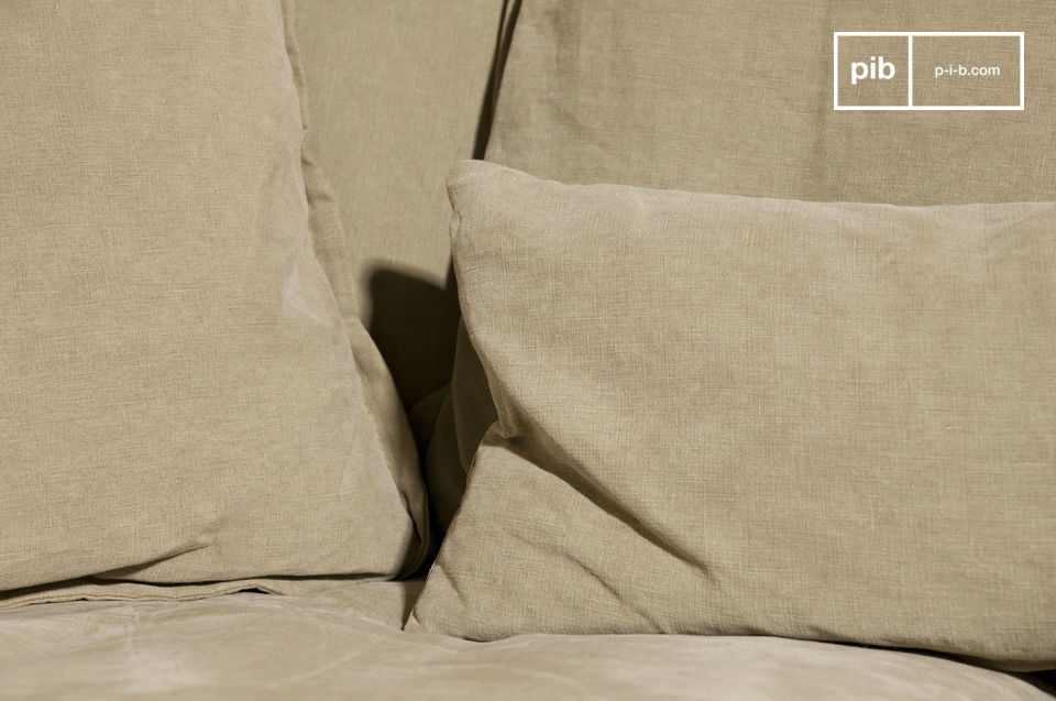 With its 6 other cushions the Melody couch makes a perfet nest for cocooning at any time of the day or night
