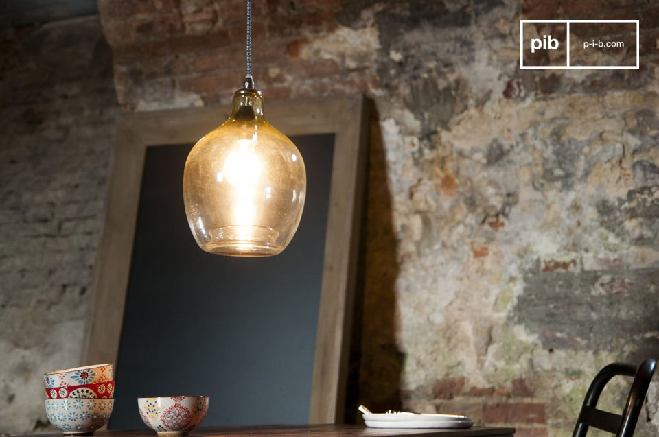 The hanging lamp Belvedere is a lamp with a special beauty that is also evident from the materials used and the shape of the lamp