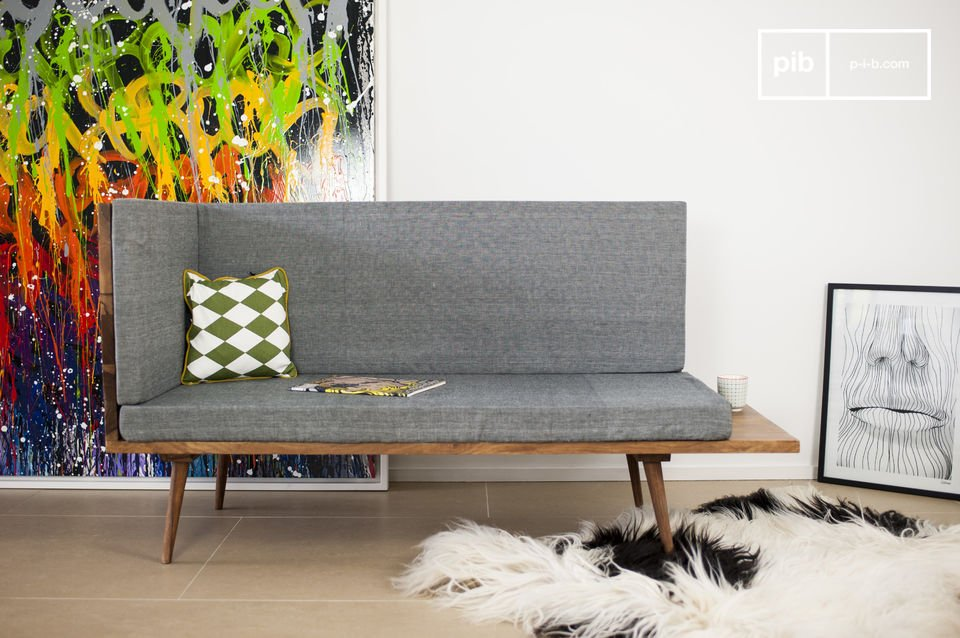 The Sensilä bench seat is a piece of furniture that will add to the vintage Scandinavian decoration of your living room or your hallway