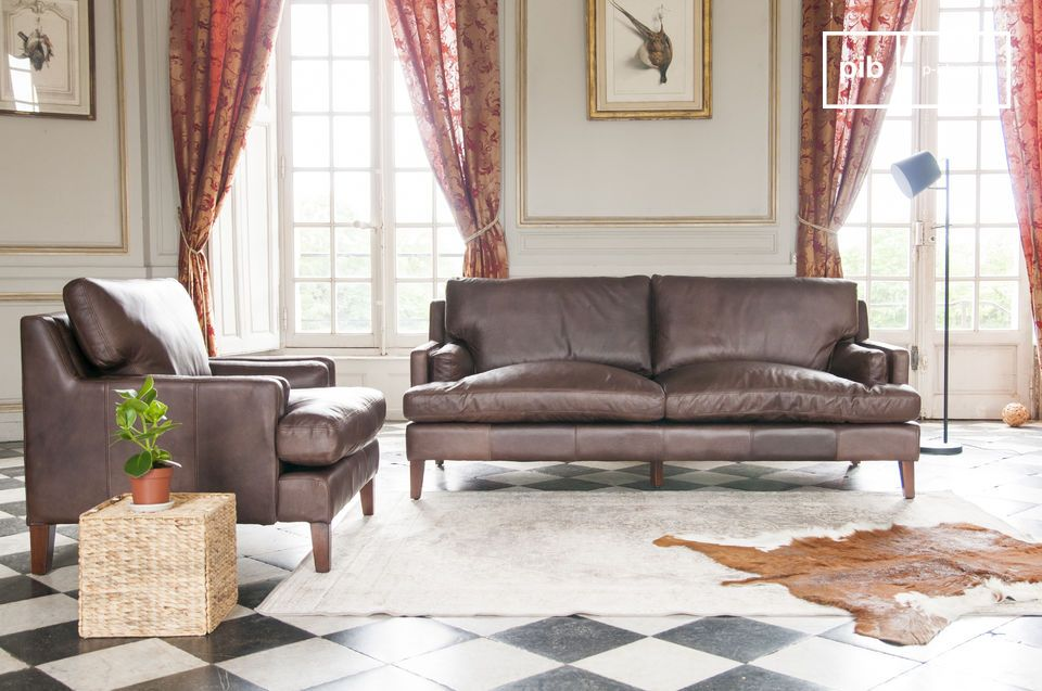 You can complete the decoration of your living room with one or two armchairs from the same