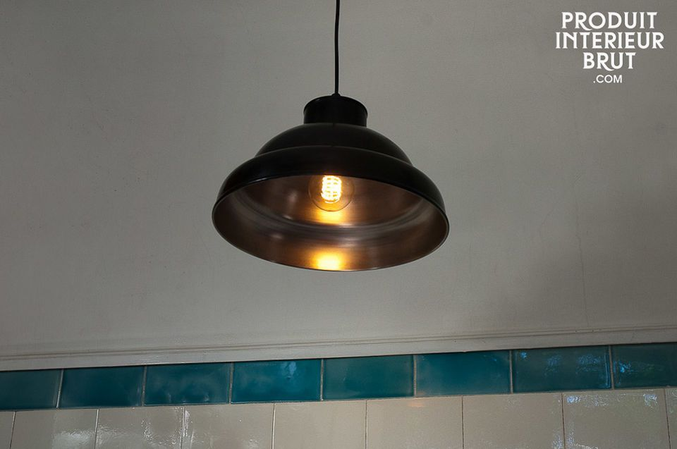 This metal ceiling light has a quality finish