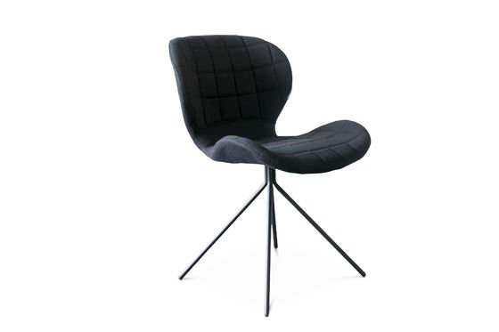 Black Hetsik chair Clipped