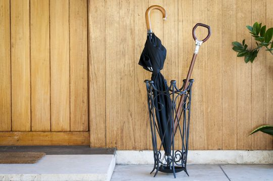 Black iron umbrella holder Konz