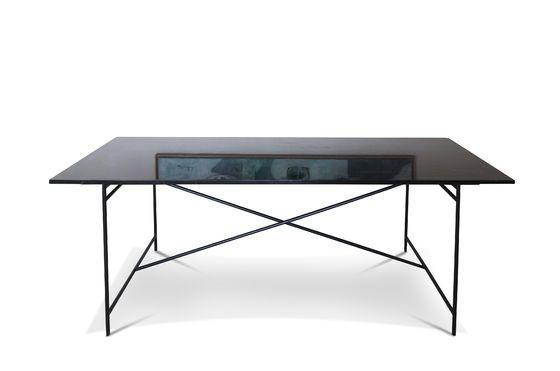 Black Thorning marble table Clipped