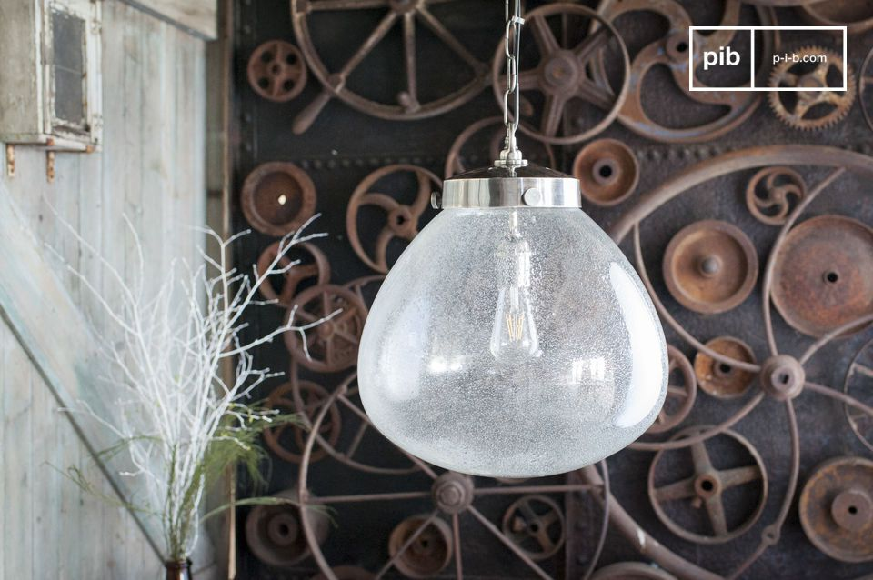 An elegant light suspension of indus' chic style