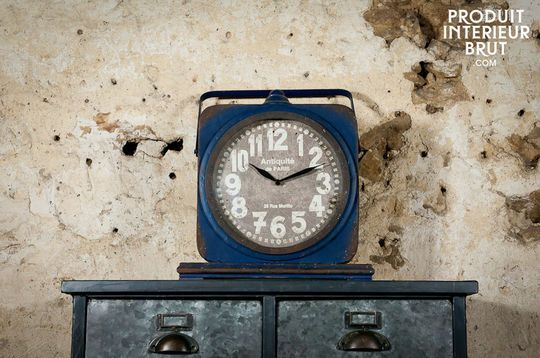 Blue Cargo clock