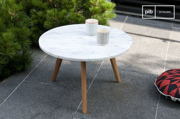 Briet coffee table