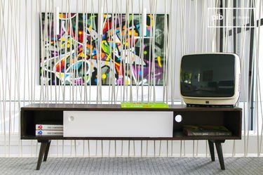 Brown'n White Tv console