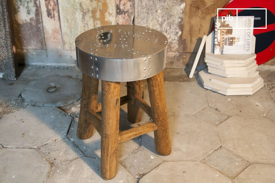 Small table or seat with industrial flair