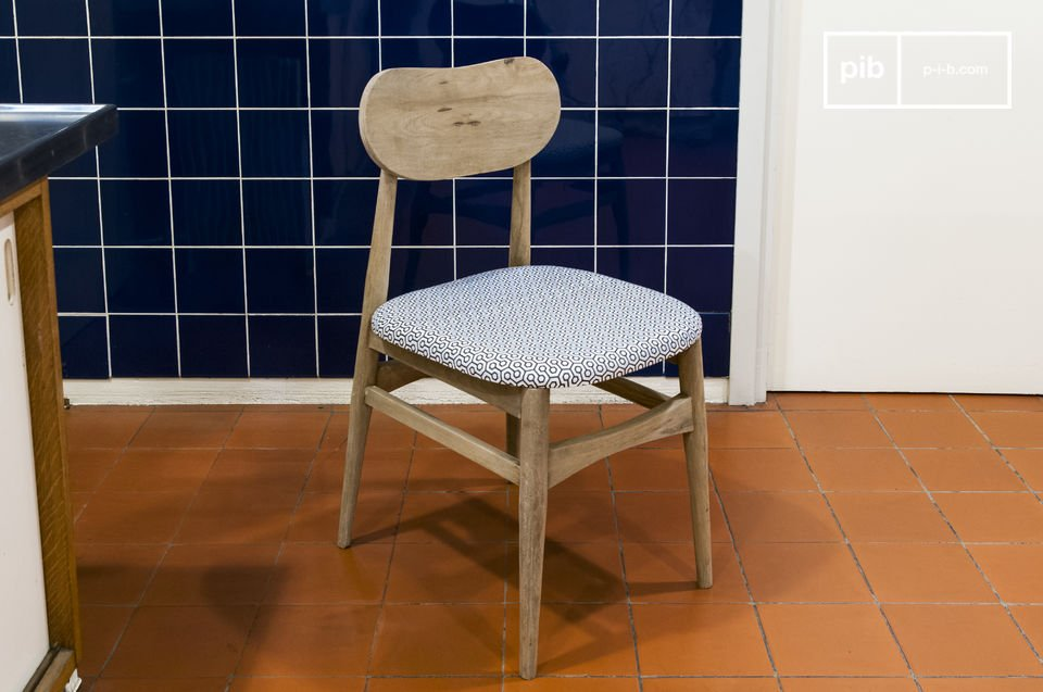 It can be perfectly used around a dining table, or as an office chaire