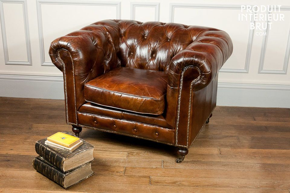 This Chesterfield all-leather armchair gives your living room the feel of an English gentleman\'s