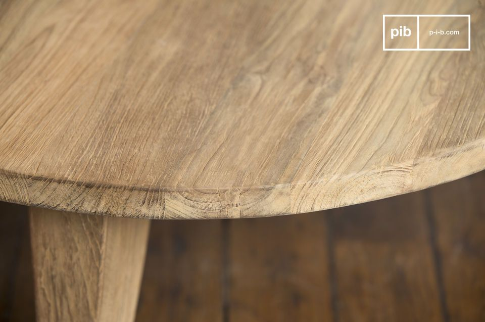 Scandinavian elegance of natural teakwood