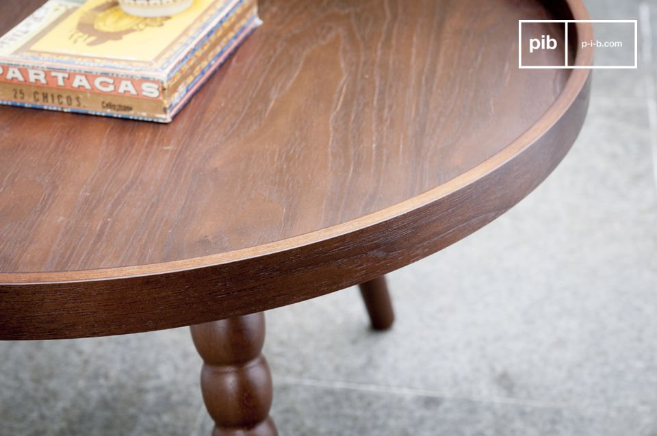 The coffee table Katalina is a furniture piece full of charm that will bring a touch of neo retro