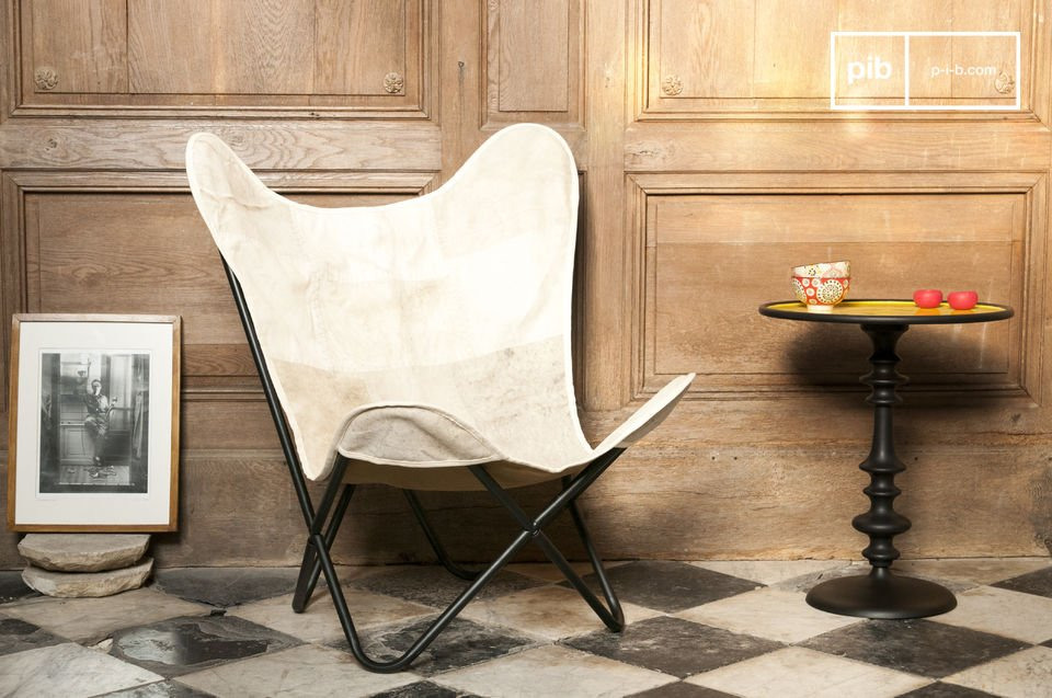 The Colina armchair will be your best ally when you want to relax in a comfortable seat