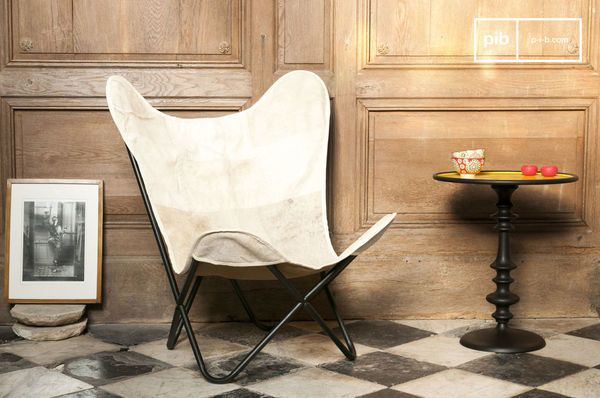 Colina Armchair