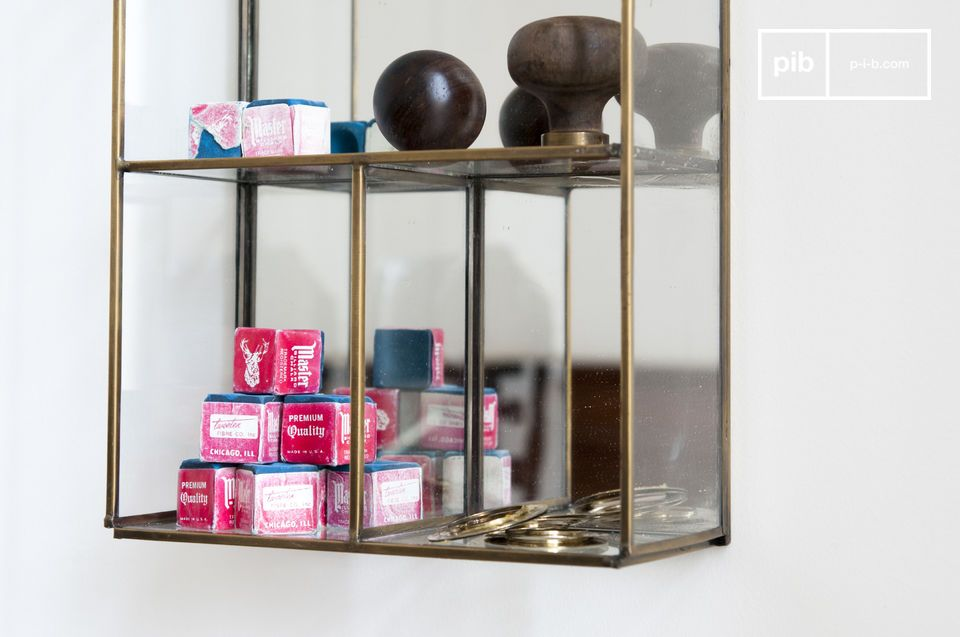 A wall storage that will showcase your small objects thanks to its glass walls favorable to the