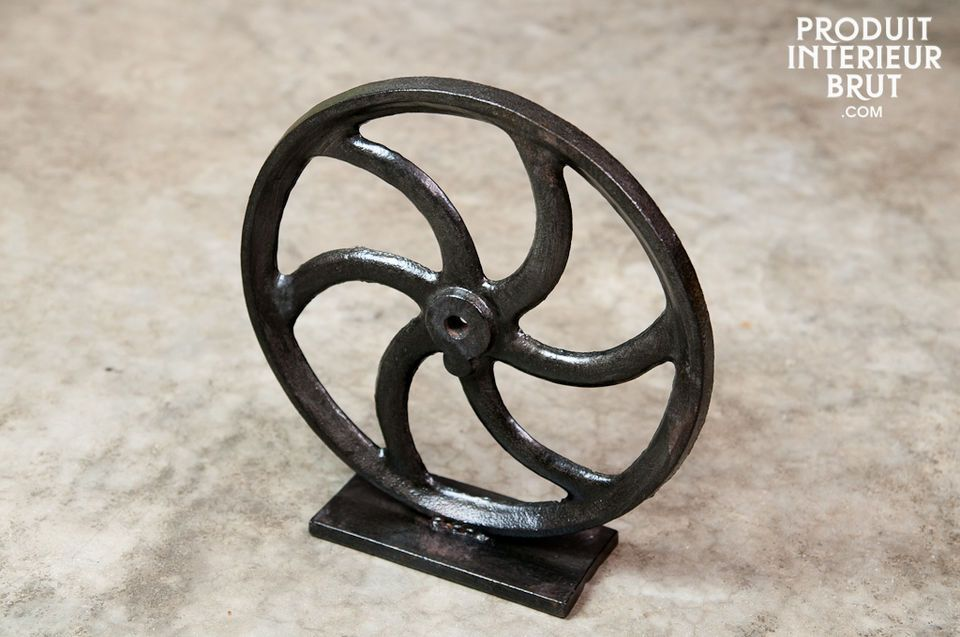 Decorative cast iron propeller