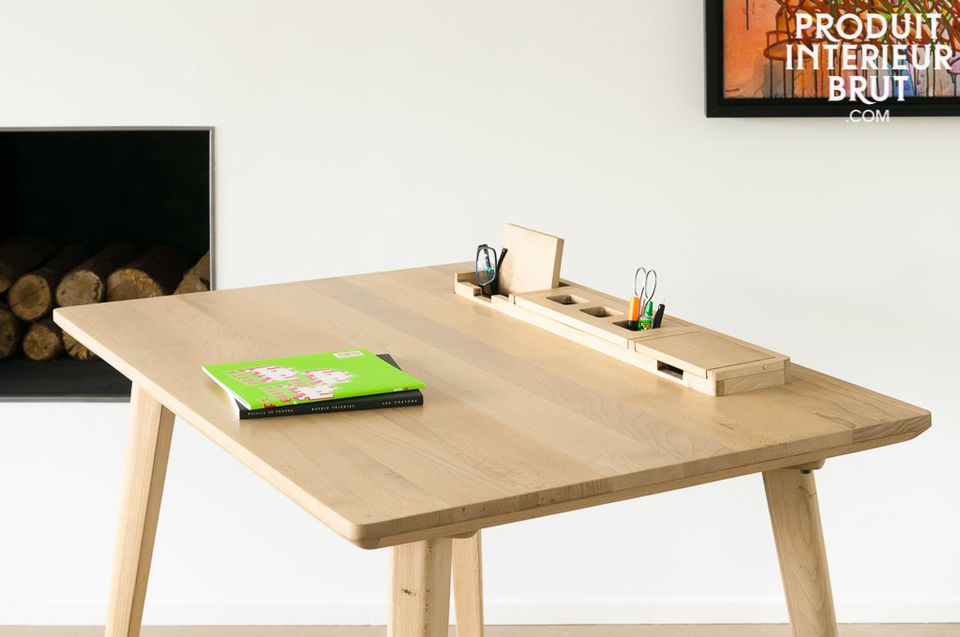 The desk Möka is etirely made of beechwood and adds that certain something of natural design