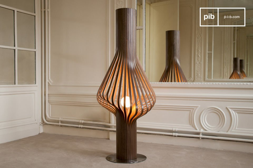 Elegant wooden lounge lamp.