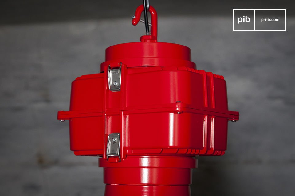 A great industrial lamp in XXL size