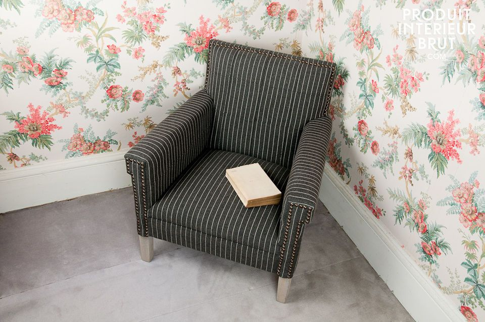 The Edgar Poe armchair is very well built
