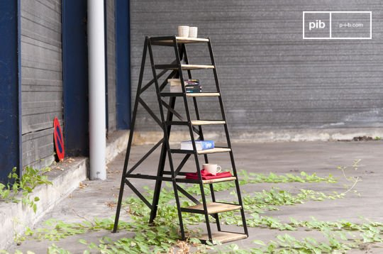 Eight-step studio stepladder