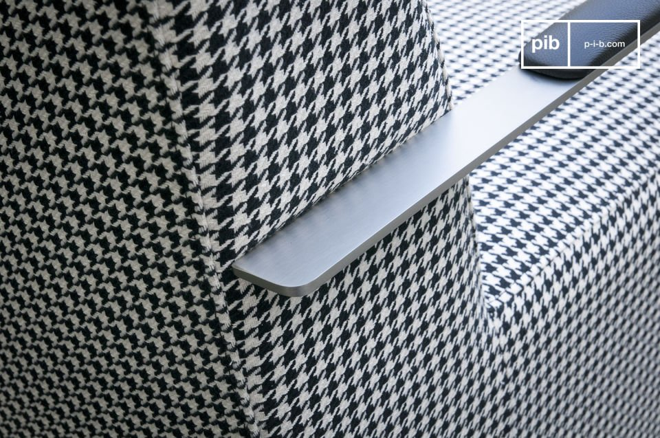Consider the unique design of the armchair Elthon: retro-look houndstooth fabric