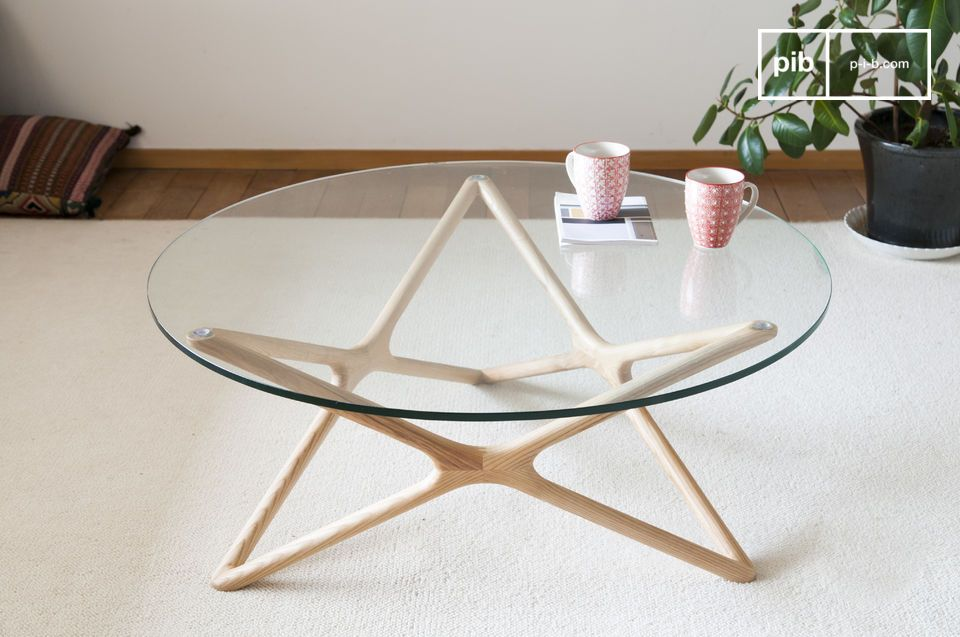 A coffee table as discreet as it is refined