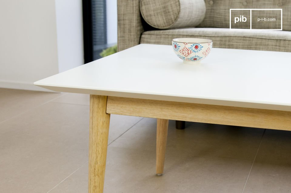 Rectangular or square, the Fjord coffee table is the epitome of finesse and discreet lines