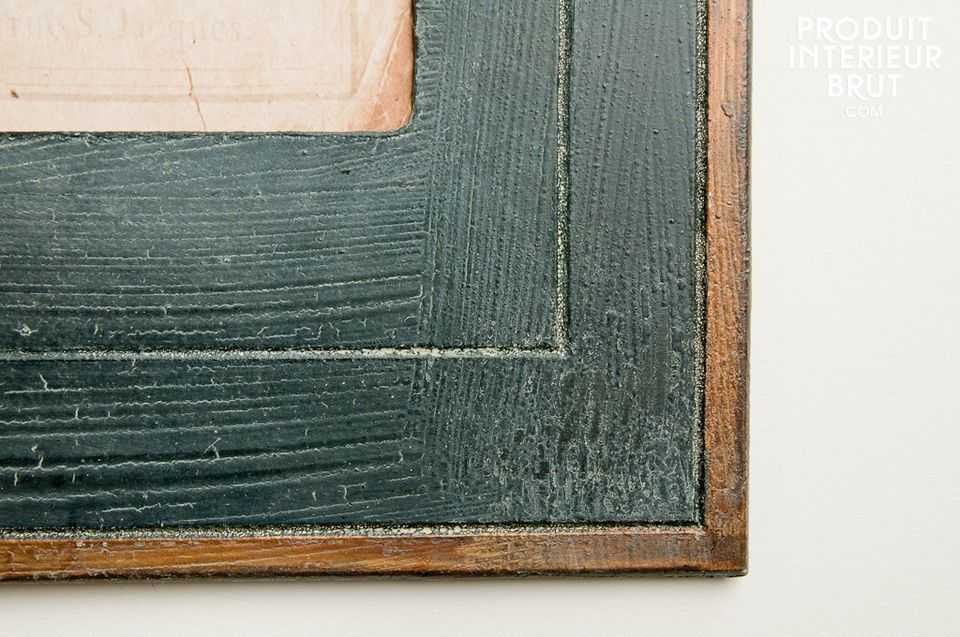 Aligned or juxtaposed, these painted wood panels are there to add cachet to your rooms