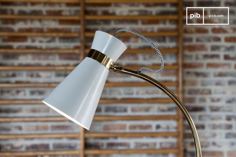 A swivel table lamp combining vintage spirit and original design