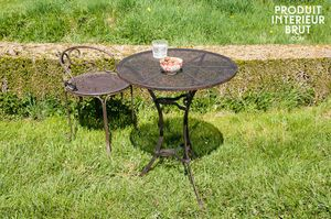 Giverny table