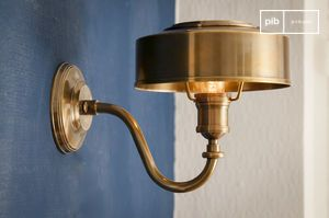 Golden brass wall lamp Amber